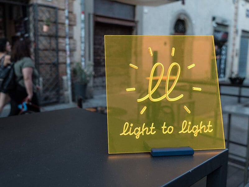 Pannelli luminosi innovativi senza energia elettrica