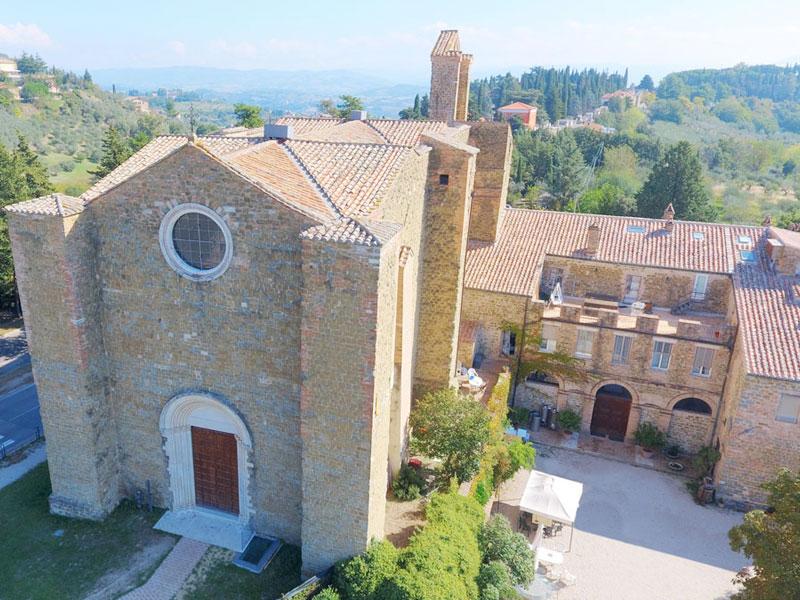 Chiesa di San Bevignate vista dall'alto con drone