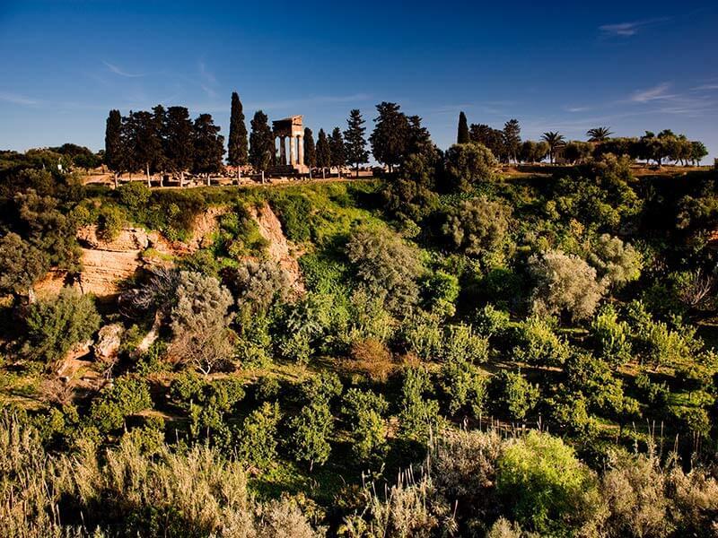 Giardino della Kolymbethra nella Valle dei Templi - Agrigento
