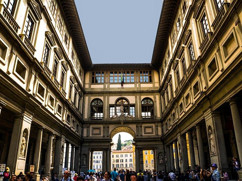 Visitatori presso gli Uffizi di Firenze