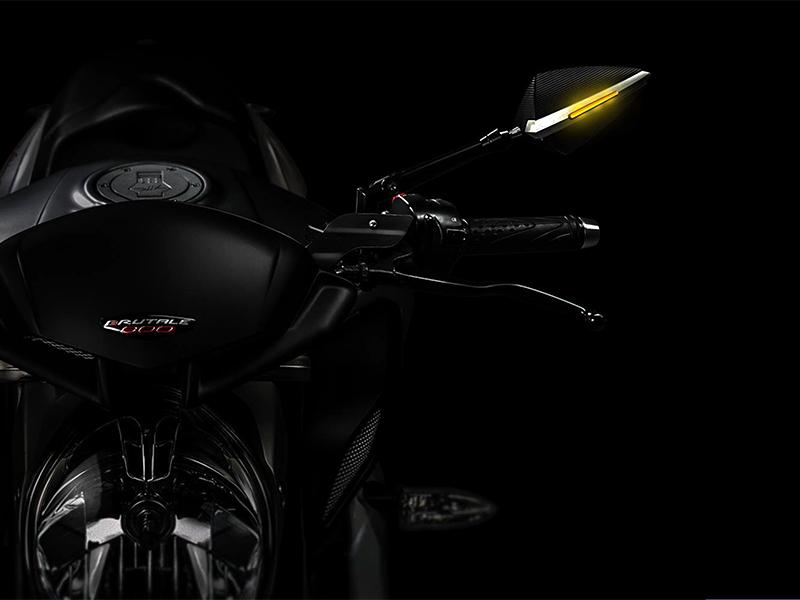 DB Race accessori di design per la moto