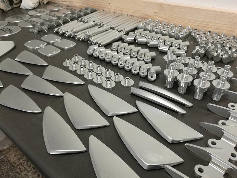 Componenti di alluminio per accessori moto DB Race