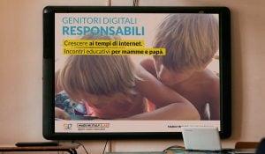 Copertina corsi di formazione digitale per genitori